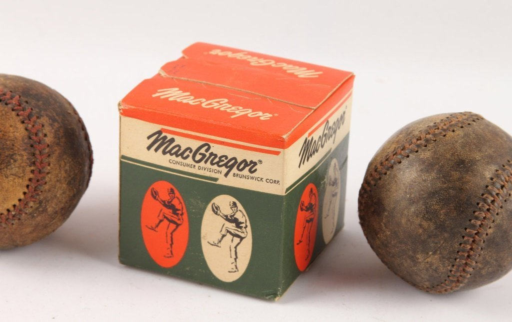 LOT OF THREE BASEBALLS 1930S & 1950S - 3