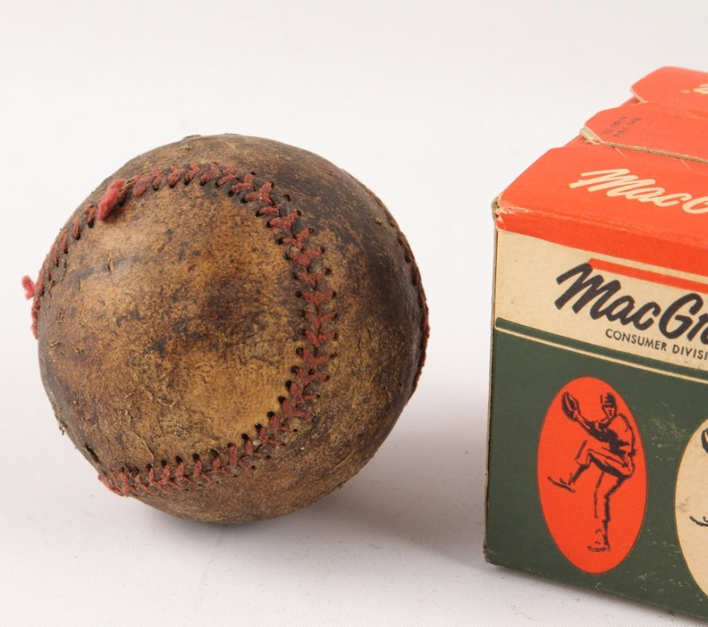 LOT OF THREE BASEBALLS 1930S & 1950S - 4