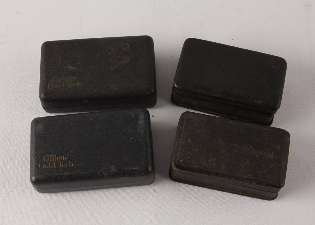 4 GILLETTE GOLD TECH NEW STANDARD SAFETY RAZORS