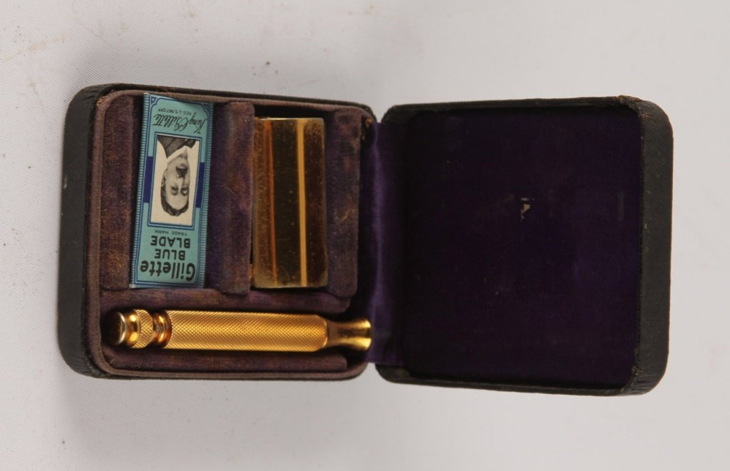 MIXED LOT OF 5 GILLETTE GOLD PLATE SAFETY RAZORS - 3