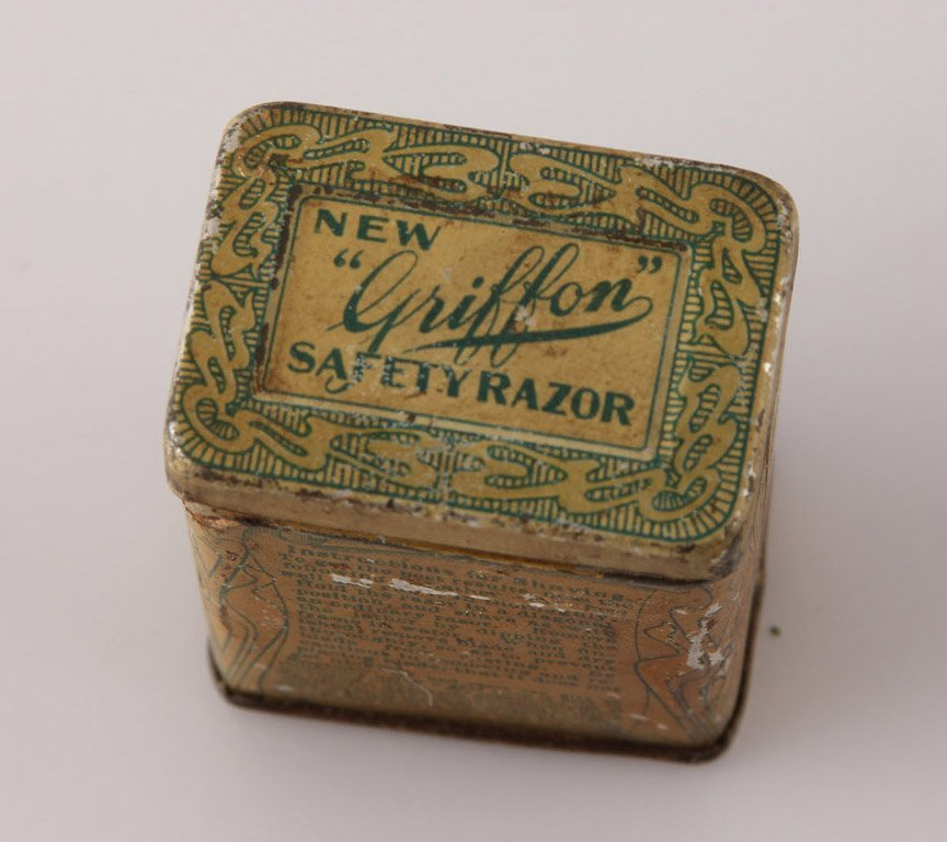 GRIFFON PAT. 1902 SAFETY LATHER CATCH RAZOR IN TIN - 2