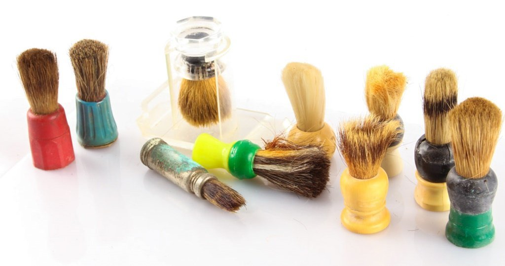 LARGE LOT OF 10 MISCELLANEOUS SHAVING BRUSHES - 4