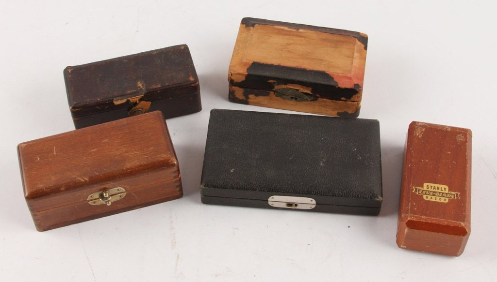 MIXED LOT OF 5 WOOD BOX SAFETY RAZORS