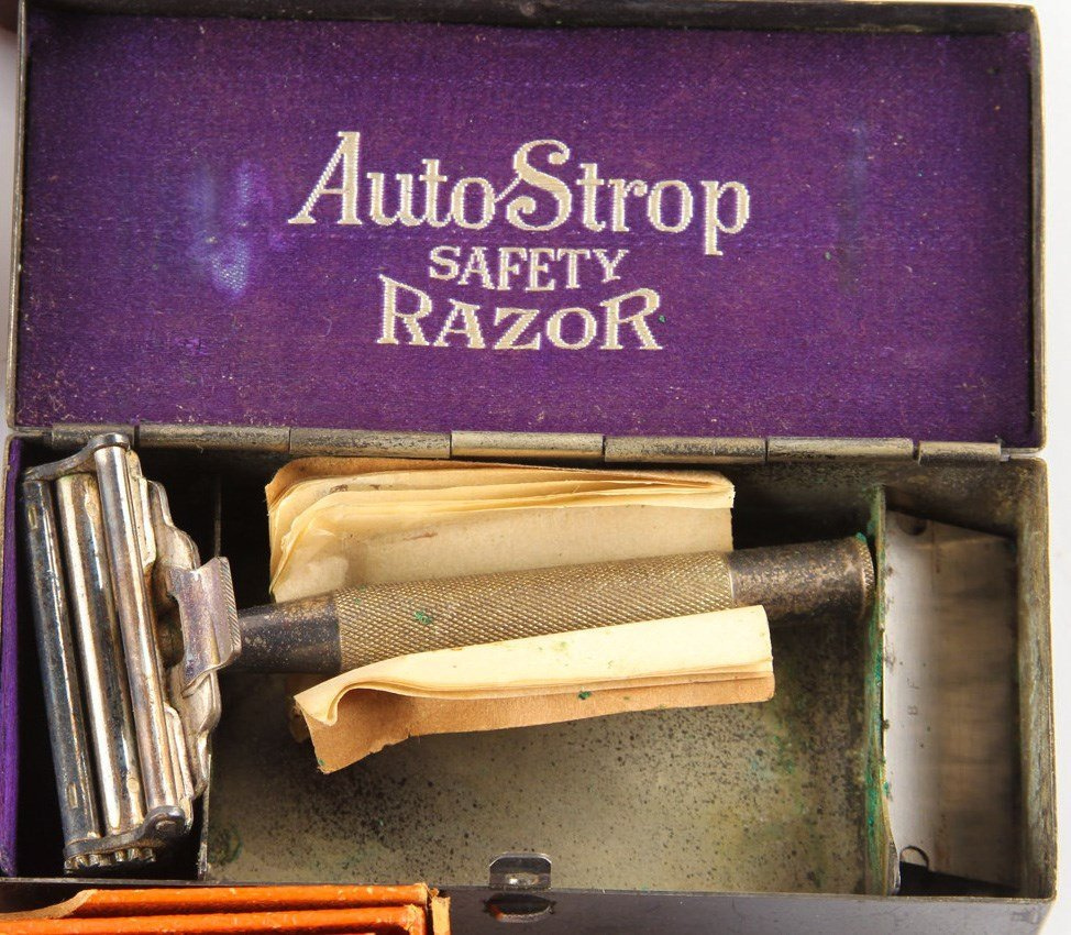 MIXED LOT OF 6 SAFETY RAZORS IN ORIGINAL BOXES - 7