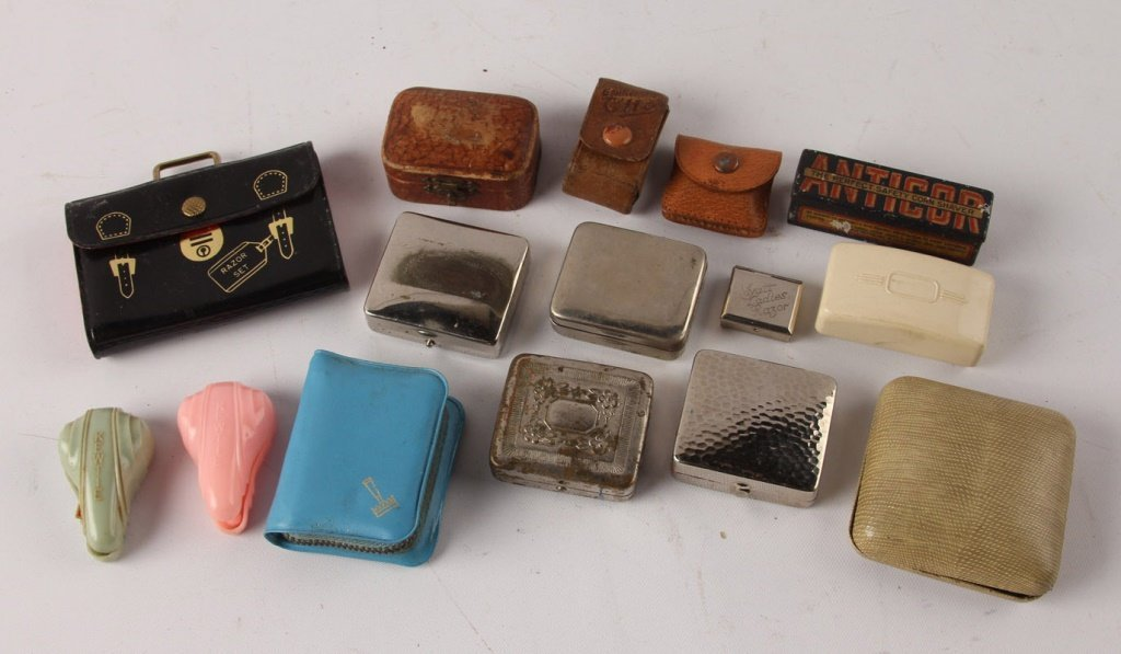 LARGE MIXED LOT OF 15 LADIES SAFETY RAZORS