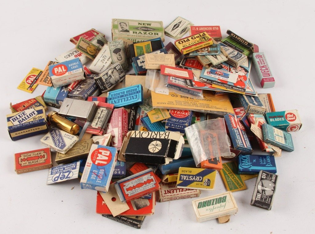 MIXED LARGE LOT OF SAFETY RAZOR BLADE PACKETS