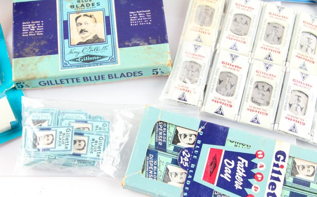 LARGE LOT OF GILLETTE SAFETY RAZOR BLADE PACKETS - 3