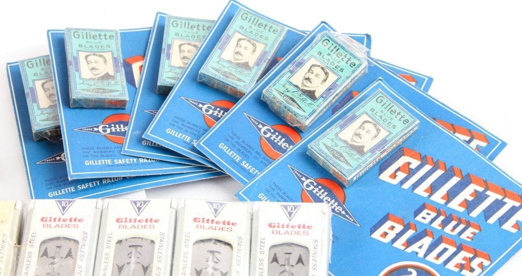LARGE LOT OF GILLETTE SAFETY RAZOR BLADE PACKETS - 6