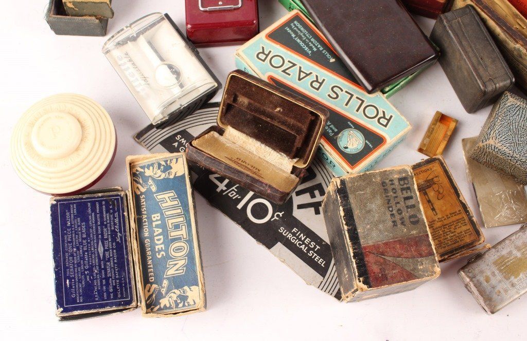 LARGE LOT OF EMPTY RAZOR & RELATED BOXES AND CASES - 2