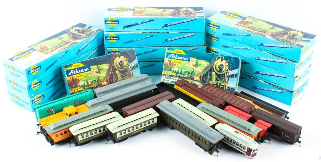 LARGE MIXED LOT OF ATHEARN, TYCO , AND AHM TRAINS