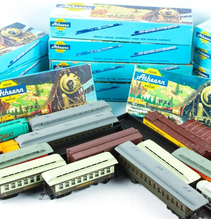 LARGE MIXED LOT OF ATHEARN, TYCO , AND AHM TRAINS - 3
