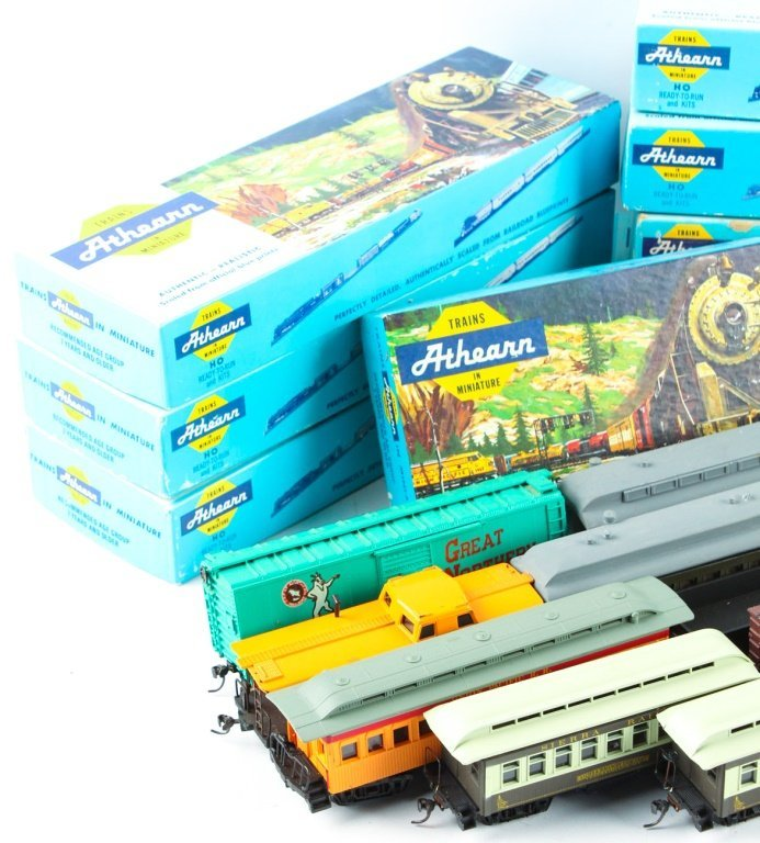 LARGE MIXED LOT OF ATHEARN, TYCO , AND AHM TRAINS - 4