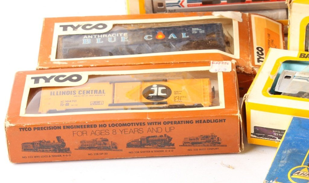 LOT OF BACHMANN, AHM, AND PMI MODEL TRAINS - 6