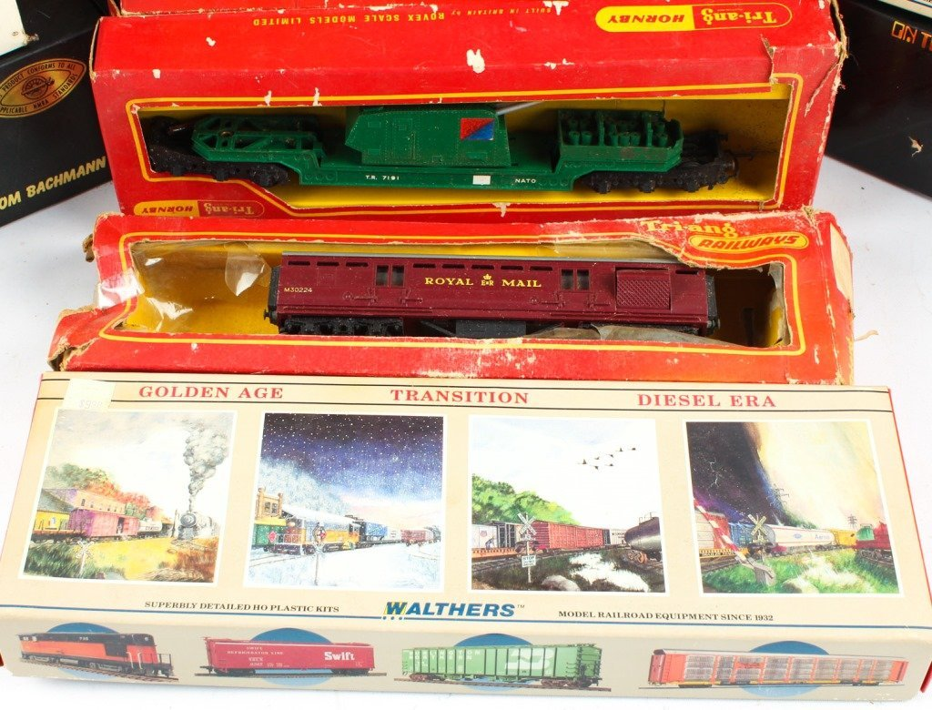 MIXED LOT OF MODEL TRAINS  K-LINE, TRIANG ETC. - 2