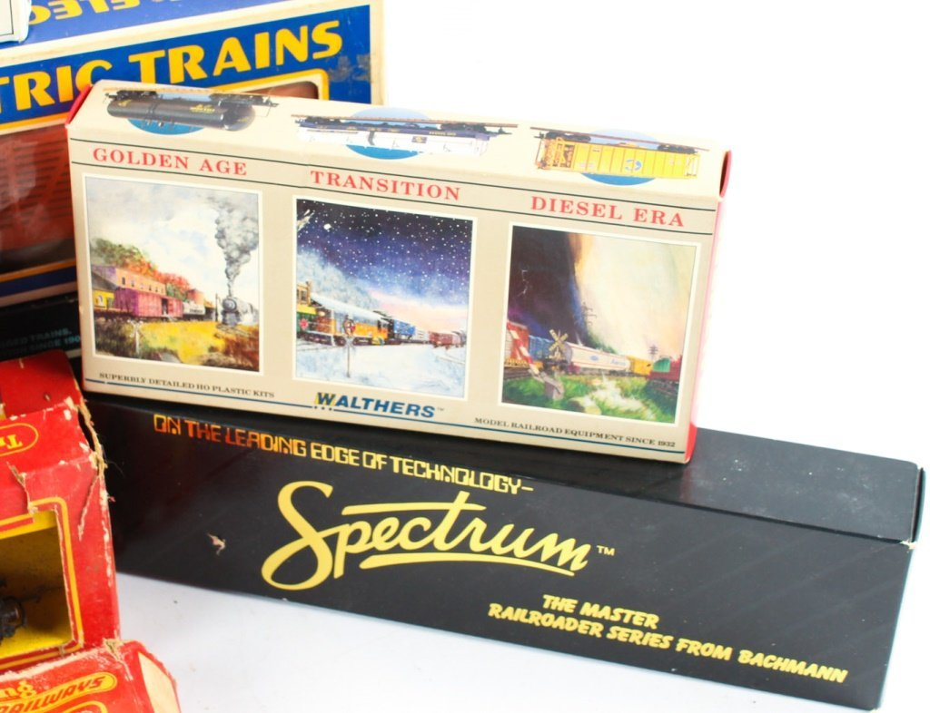 MIXED LOT OF MODEL TRAINS  K-LINE, TRIANG ETC. - 3