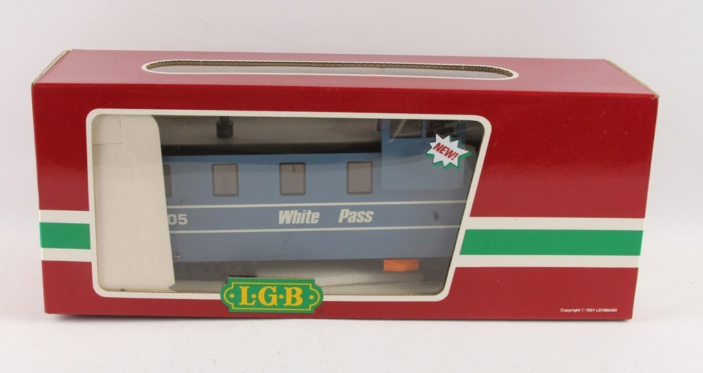 LGB 4071 WHITE PASS CABOOSE WITH LIGHTS
