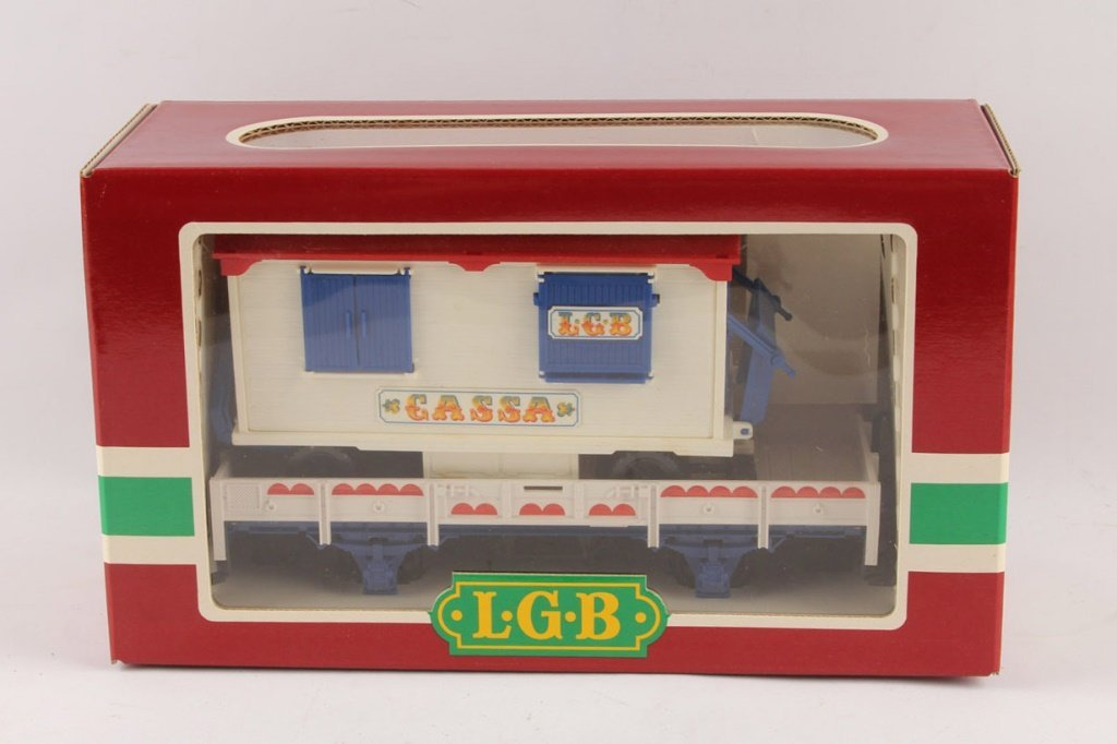 LGB 4037 CIRCUIS WAGON ON FLAT CAR