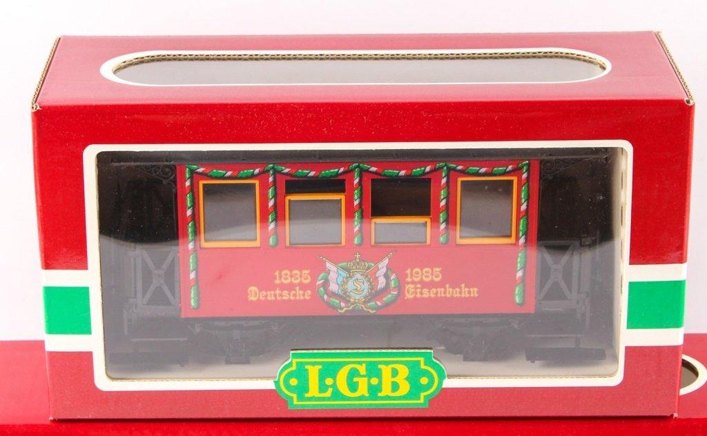 TWO LGB TRAINS: SR & LR FLAT CAR 150TH ANNIVERSARY - 2