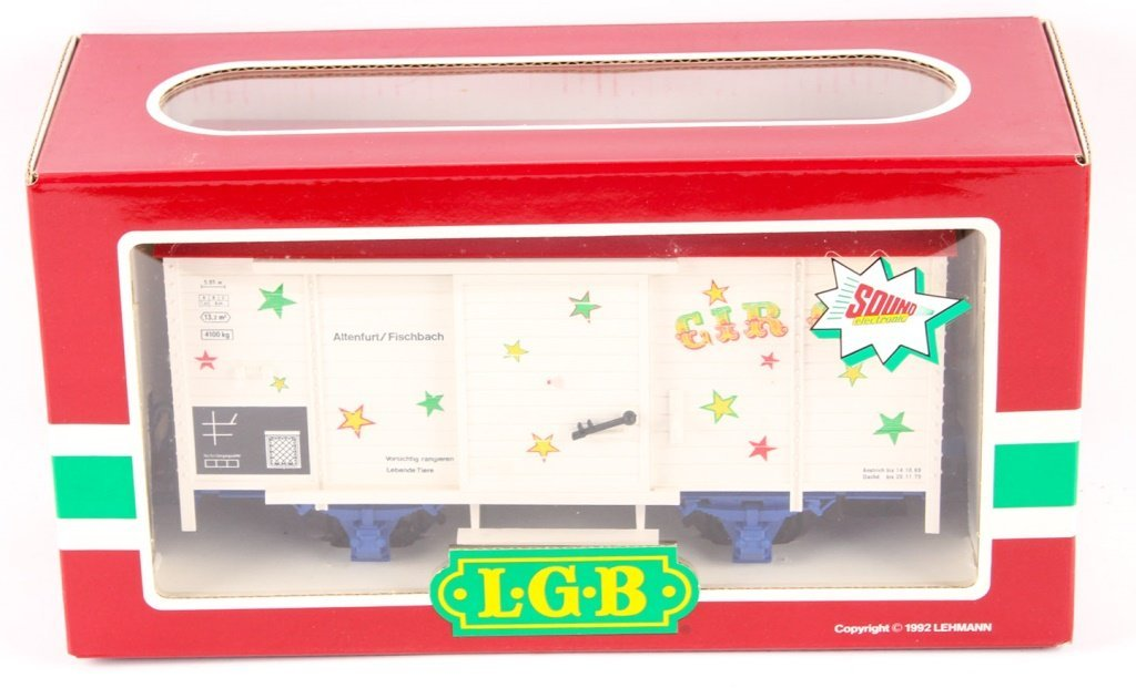 LGB TRAINS 4136S CIRCUS BOXCAR WITH SOUND