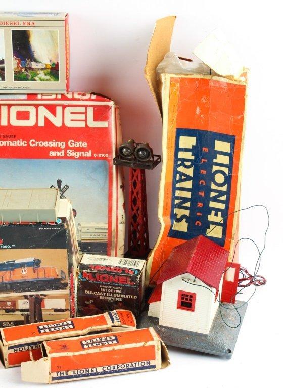 LOT OF LIONEL TRAIN ACCESSORIES - 2