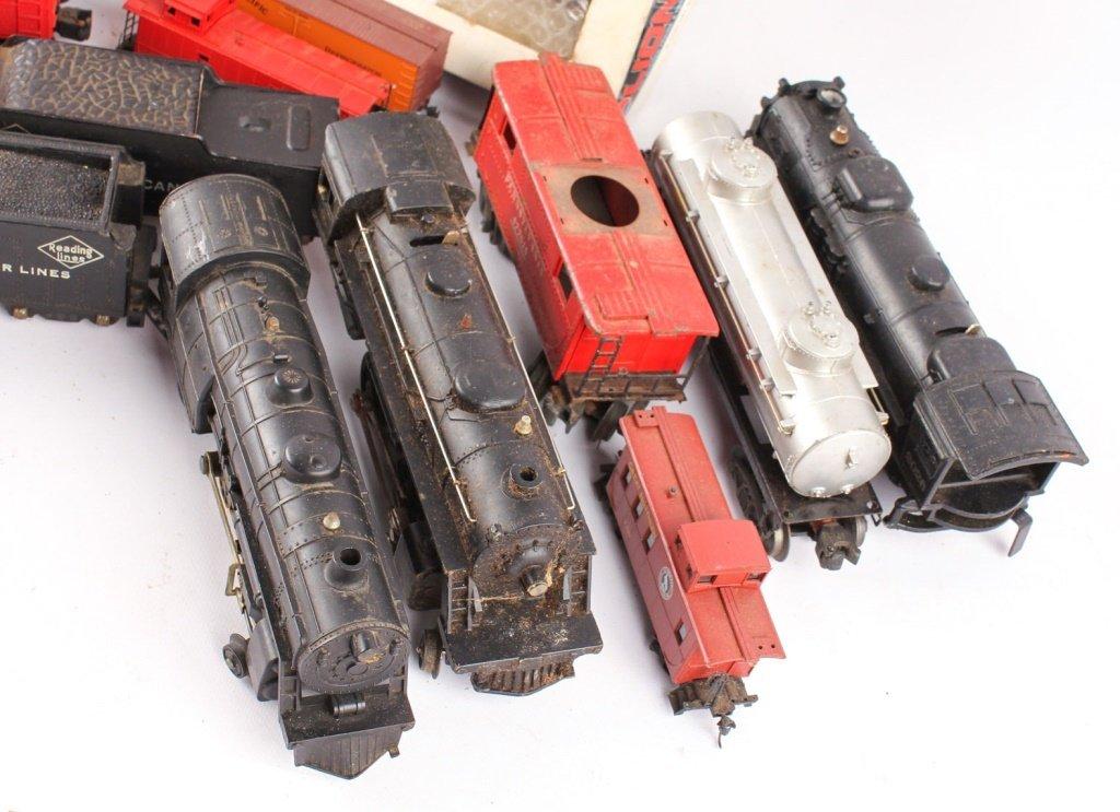 LOT OF LOOSE LIONEL METAL TRAINS: POSTWAR & MODERN - 2