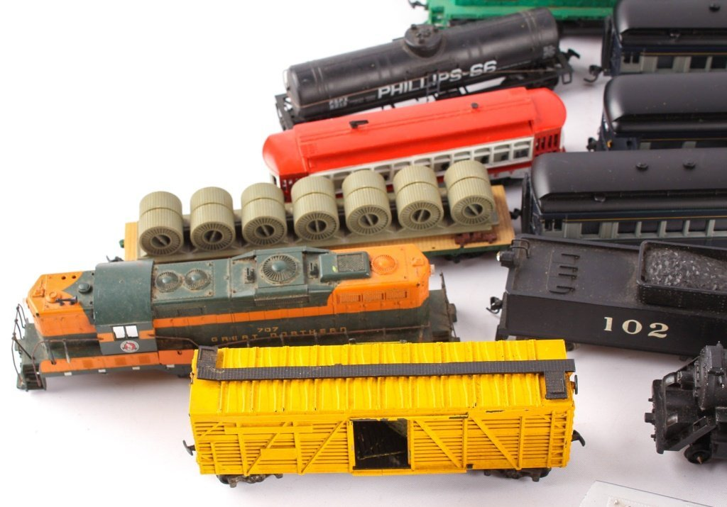 LARGE LOT OF TRAINS BY LIONEL, TYCO, NEW MODEL ONE - 5