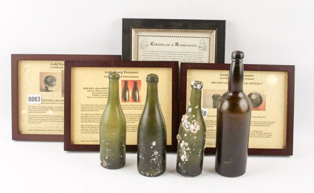 4 SHIPWRECK BOTTLES 1810 HOLDEN & PORT ROYAL
