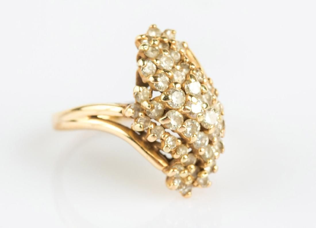 LADIES 14K YELLOW GOLD DIAMOND CLUSTER RING