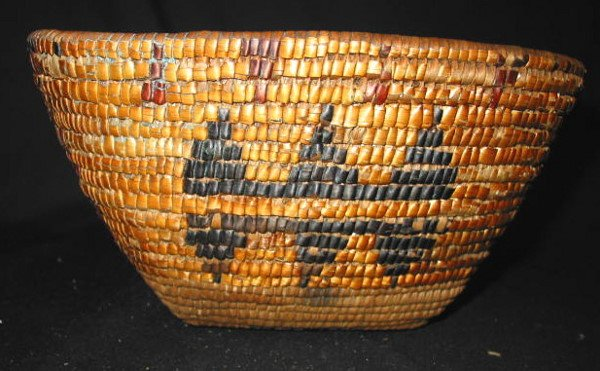 13: LILLOOET AREA SALISH COILED BERRY BASKET