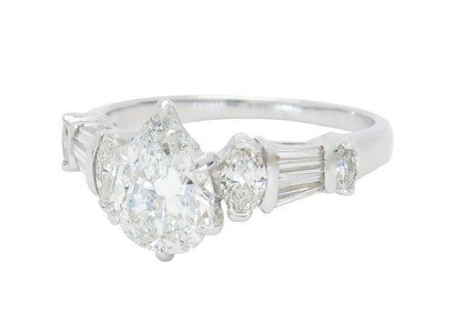 VERY GLAMOROUS 2.05CTW PEAR SHAPED DIAMOND RING
