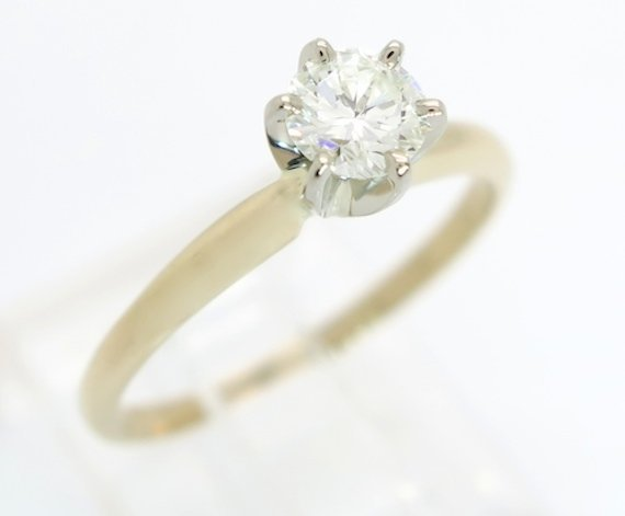 CLASSIC EXCELLENT QUALITY DIAMOND SOLITAIRE RING