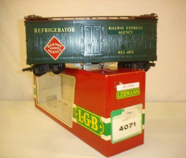 293: ABT: LGB #4071 Dark Green REA Reefer/Red OB