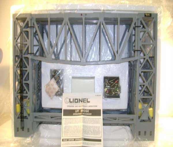 302: ABT: Mint Lionel #12782 Operating Lift Bridge/OB