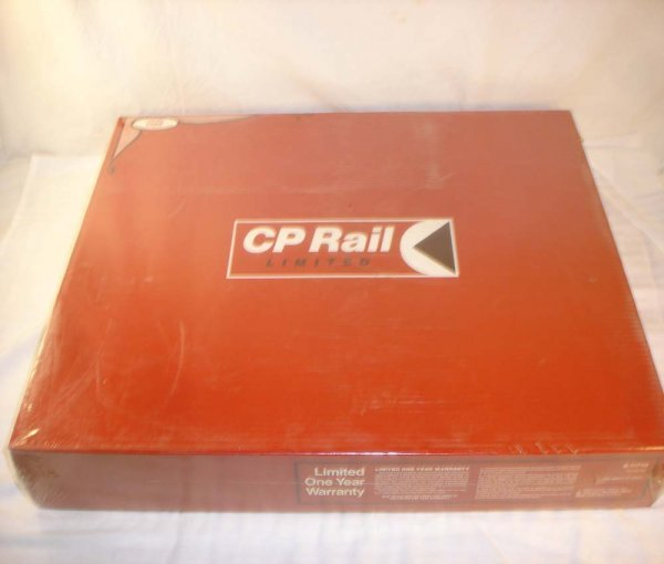 2: ABT: Mint Lionel #11710 CP Rail Ltd Freight Set/OB