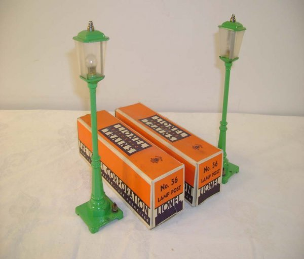 353: ABT: 2 Lionel #56 Lt Green Lamp Posts/Nice Obs