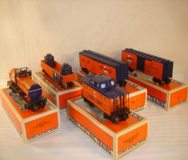 697: ABT: 5 Mint Org/Blue Lionel Lines Freight Cars/Obs