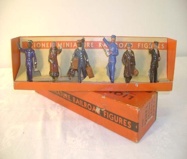 7: ABT: Nice Lionel #550 Railroad Figure Set/Nice OB+