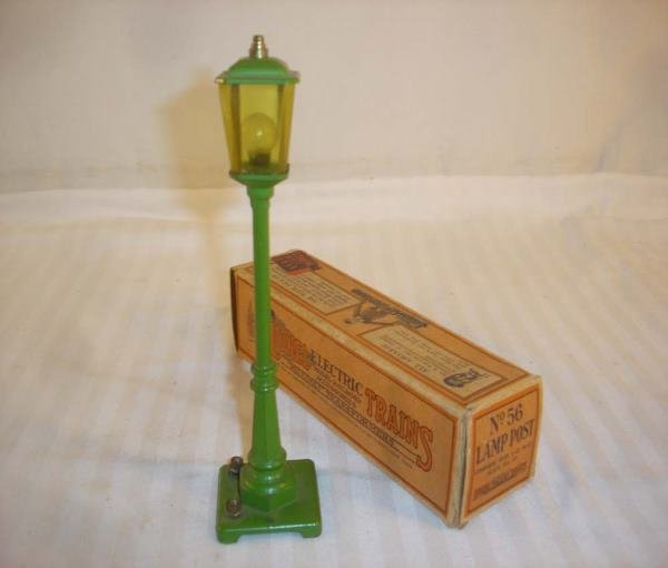 9: ABT: Lionel #58 Light Green Street Lamp/Early Box