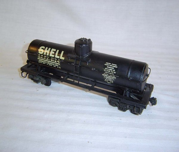 19: ABT19 Nice Lionel #715K Scale Shell Tank Car