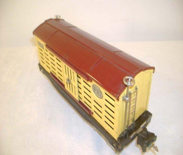 454: ABT: Scarce Lionel #813 Cream/Maroon Cattle Car