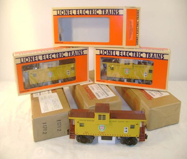1002: ABT: 3 Mint Lionel #19715 Duluth Ext Vision Caboo