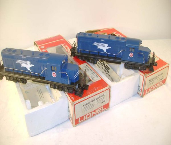 1022: ABT: Lionel #8562/8565 MP GP-20 Diesels/Obs