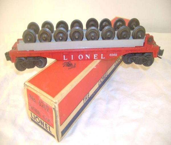 80: ABT: Lionel #6262 Red Flat Car with Wheels/OB