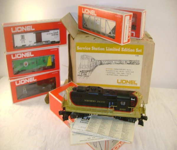 16: ABT: Lionel #1672 NP GP SSS Freight Set/OB