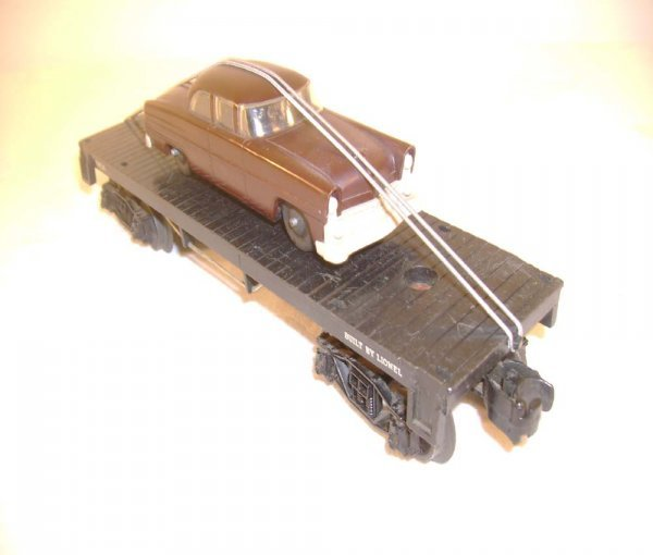 401: ABT: Lionel #6404 Flat w/ Brown/Gray Automobile