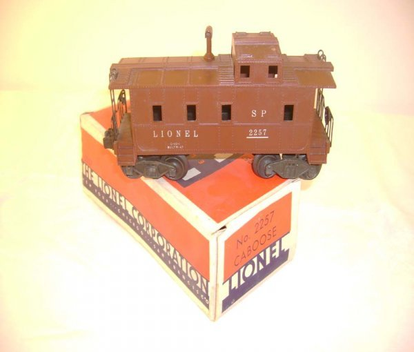 409: ABT: Lionel #2257 Brown Caboose w/Brown Stack/OB