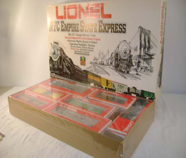 15: ABT: Sealed Lionel #1665 NYC Empire State Set/OB