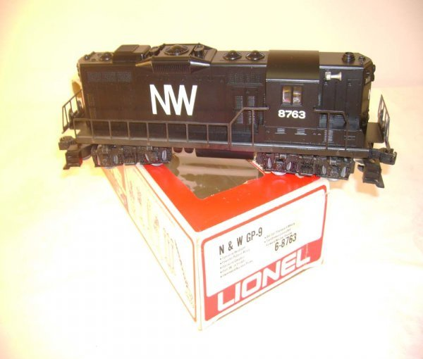 1304: ABT: Mint Lionel #8763 N&W GP-9 Diesel/OB