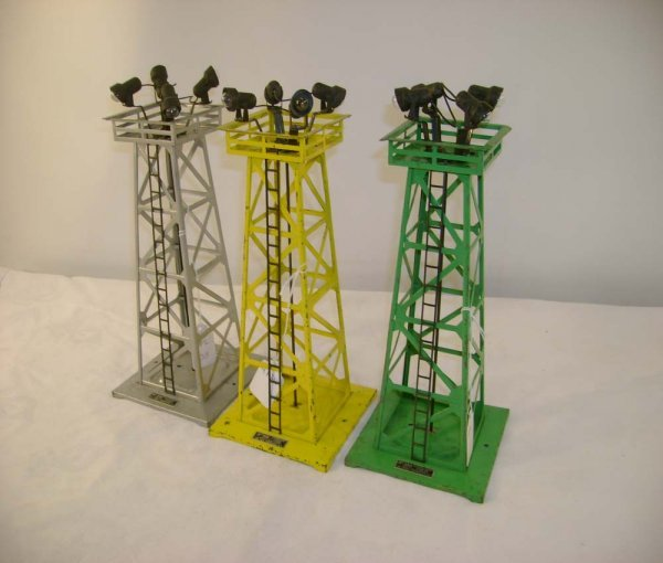 258: ABT: 3 Lionel #395 Floodlight Towers: Yellow, Gree