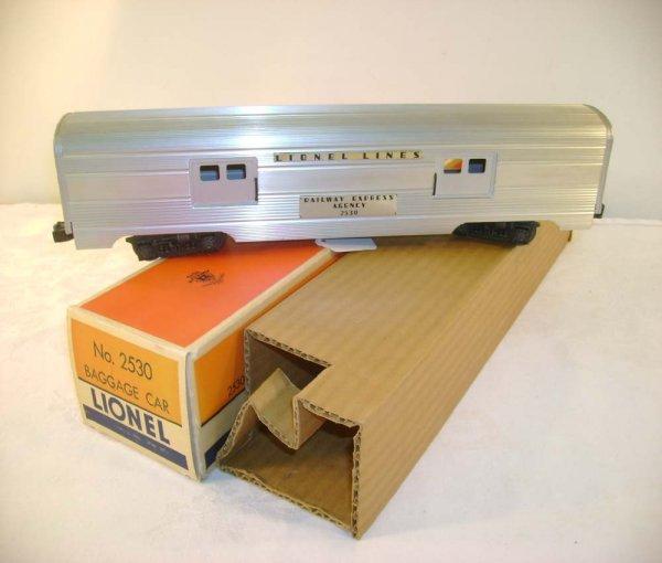 708: ABT: Lionel #2530 Small Doors Baggage Car/OB+